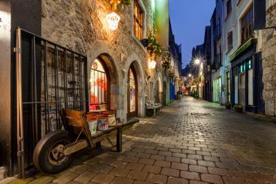 Fototapeta Stara ulica w Galway