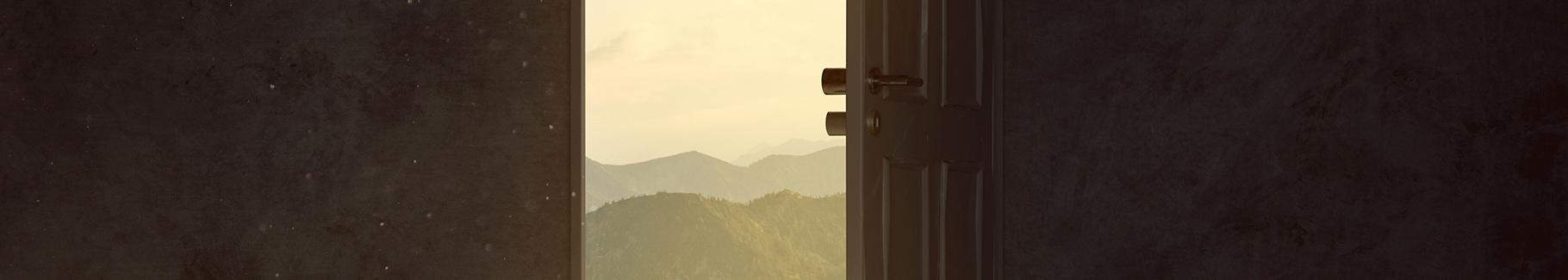 Fototapeta otwarte drzwi na góry
