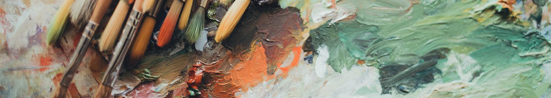 Kolorowy obraz z pędzlami artysty