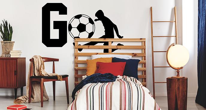 Naklejka z piłkarzem na szafę