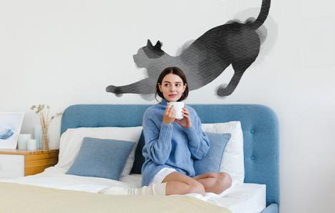 Naklejka kot w minimalistycznym stylu