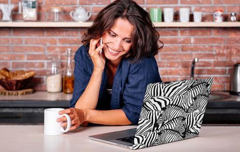 Naklejka zebry na laptopa