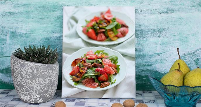 Obraz potrawy: półmiski z sałatką