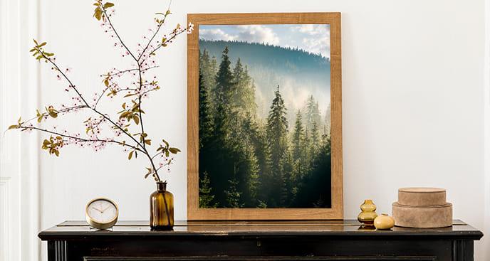 Plakat korony drzew w górach