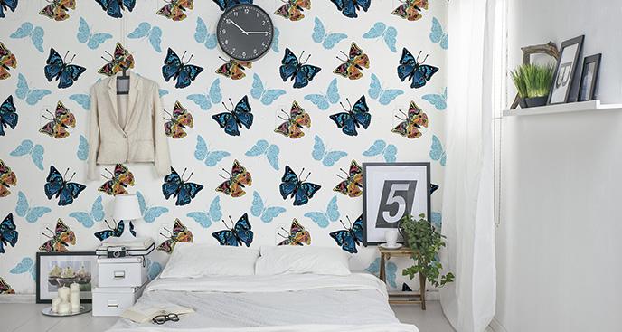 Tapeta motyle na ścianie w sypialni