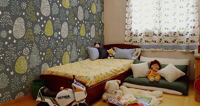 Tapeta motyw drzew do sypialni